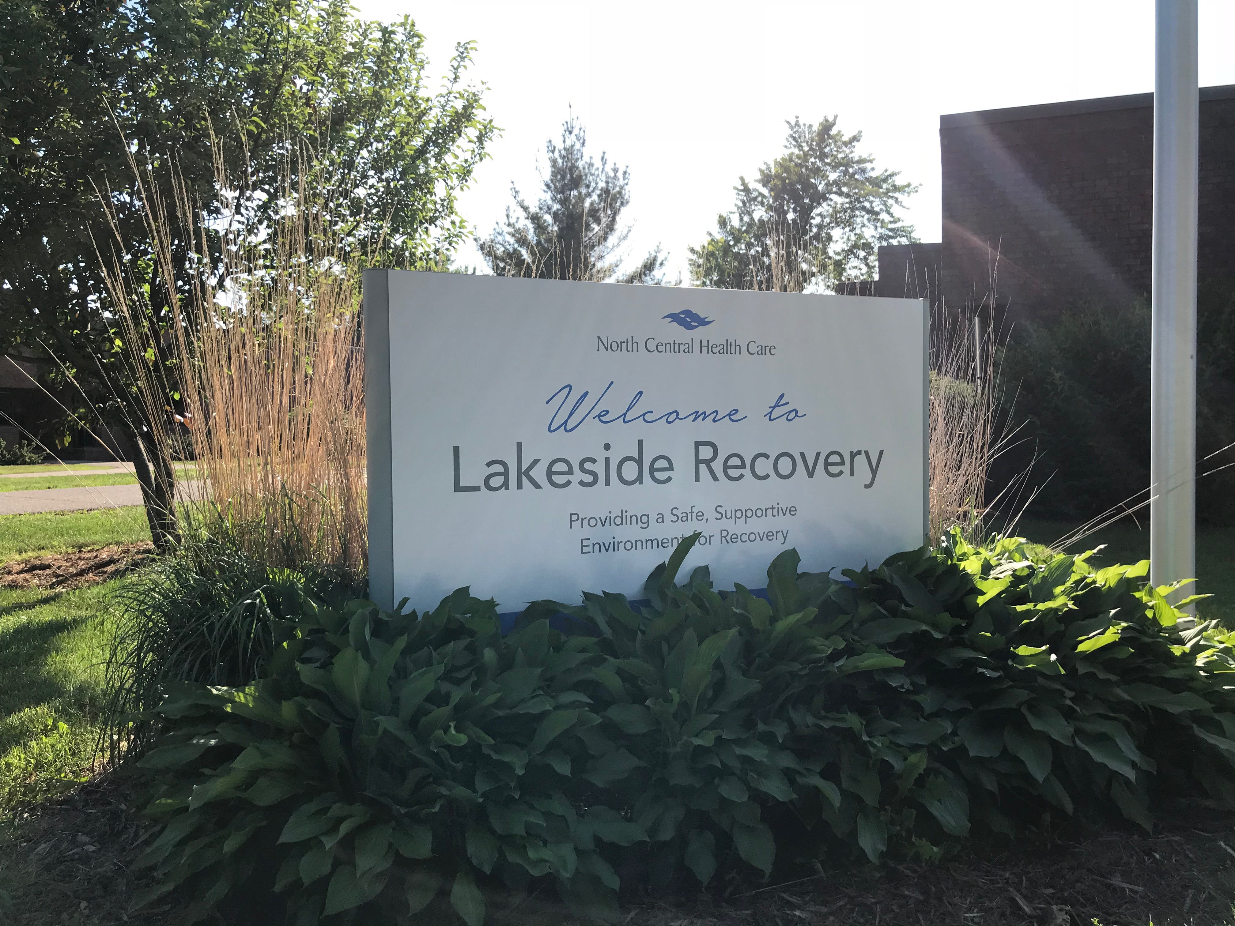 Lakeside Recovery sign